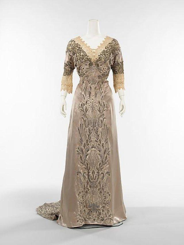 Лучшие платья прошедшего века
