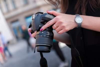 Canon подсчитывает убытки из-за непопулярности фотокамер