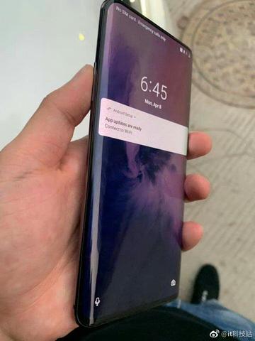 Первые фотографии OnePlus 7 Pro + характеристики