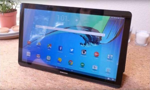 Samsung выпускает огромный гибрид Android-планшета и телевизора
