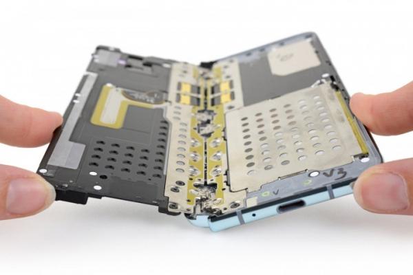 Samsung заставил iFixit удалить статью о разборе Galaxy Fold