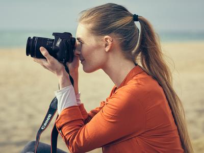 Canon EOS 250D — самая лёгкая в мире «зеркалка» с поворотным экраном