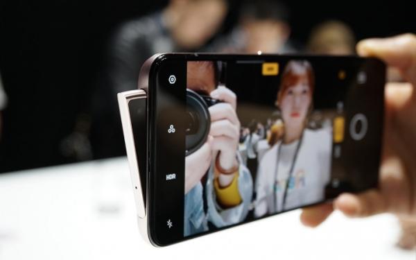 Oppo официально запускает смартфон с «акульим плавником»