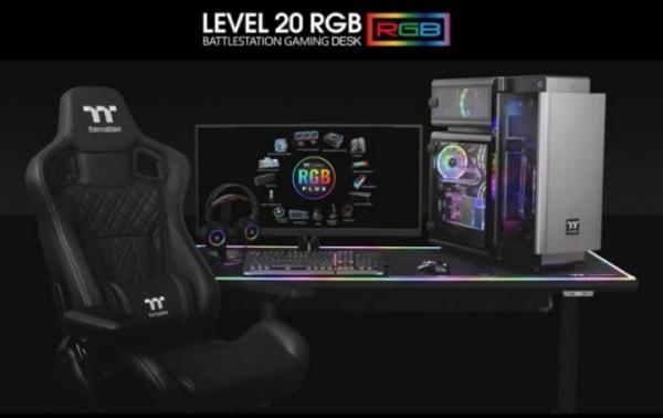 Battlestation Level 20 – моторизованный игровой стол с RGB и огромным ковриком