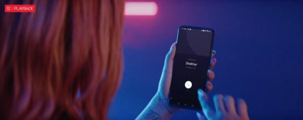 Индийская певица сняла OnePlus 7 Pro в своём клипе
