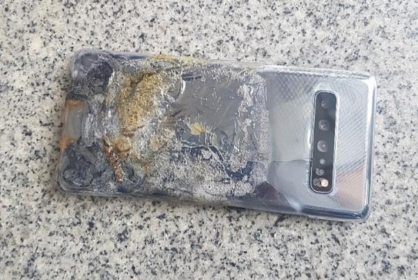 Samsung Galaxy S10 5G загорелся в Корее