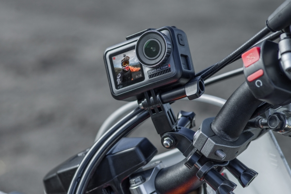 Экшн-камера DJI Osmo Action: выносливый конкурент GoPro с двумя экранами за $350