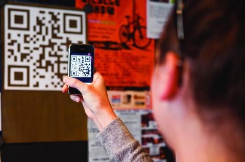 В России появится новый способ оплаты покупок смартфонами без NFC