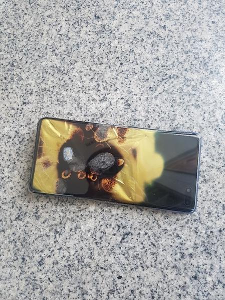 Первый пошел: Samsung Galaxy S10 5G загорелся и взорвался