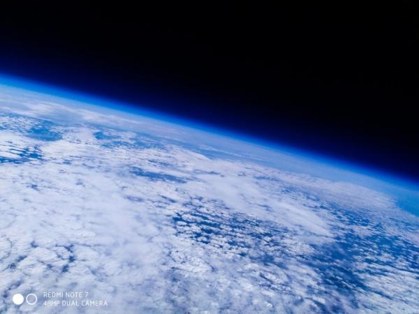 Смартфон Redmi Note 7 отправили в космос на разведку