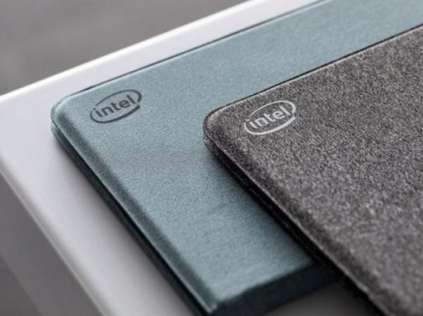 Новое устройство Intel имеет два экрана и корпус из ткани