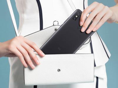 Xiaomi Mi Max 4 с необычным дизайном показали на фанатских рендерах