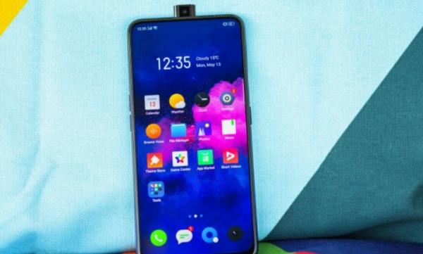 Realme X – недорогой смартфон с AMOLED-дисплеем и выдвижной камерой