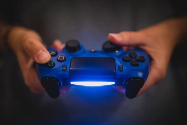 Владельцы PlayStation 5 иPS4смогут играть вместе благодаря обратной совместимости