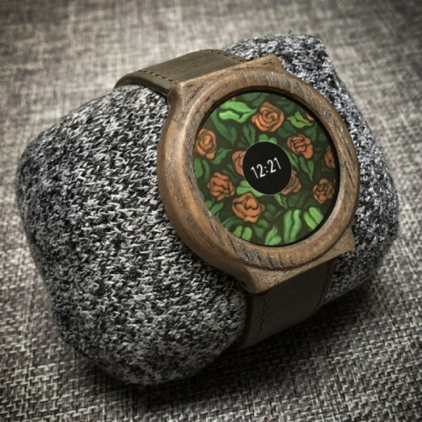 Энтузиаст создал самодельные смарт-часы