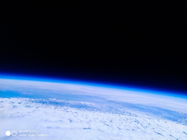 Xiaomi отправила Redmi Note 7 в космос: смартфон сделал фотографии Земли и вернулся невредимым