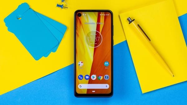 В сеть утекли подробности о смартфоне Motorola One Action: экран 21:9, тройная камера и чип Exynos 9609