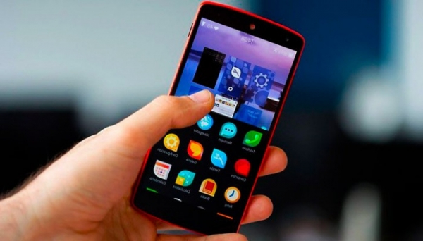 Huawei продает рекламу на экране блокировки своих смартфонов