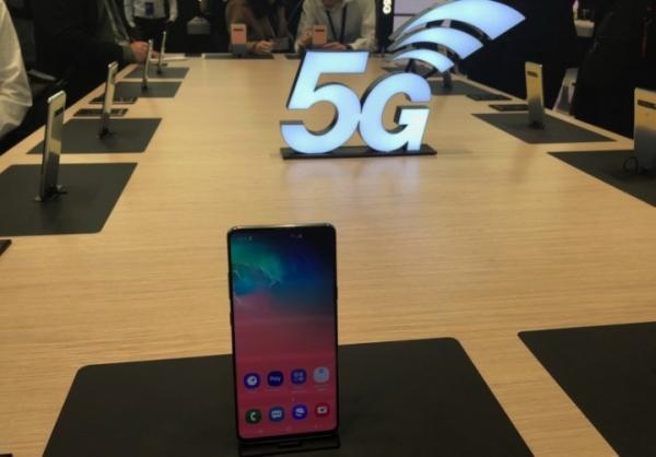 Потребители готовы заплатить $1200 за iPhone с 5G