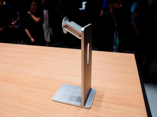 Apple удивила публику подставкой для монитора за $1000
