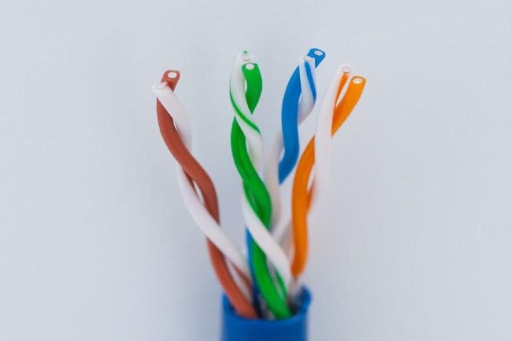 Сетевые кабели для интернета и локальных сетей