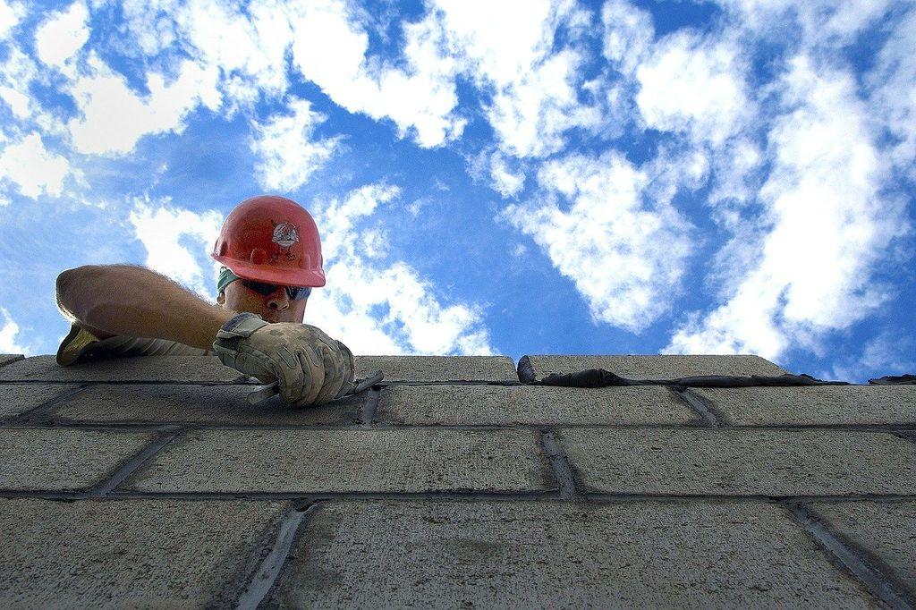 Опытные специалисты по строительству домов под ключ в Одессе: stroyhouse.od.ua