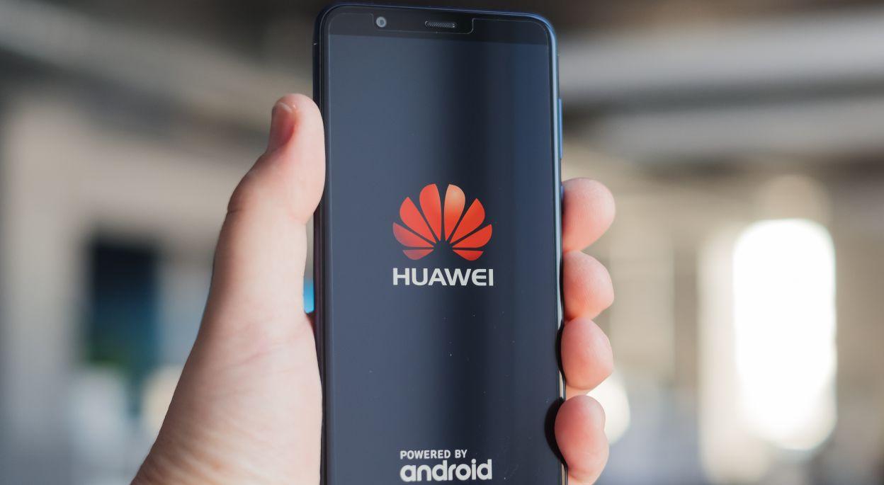 Конкуренты получат профит от проблем Huawei