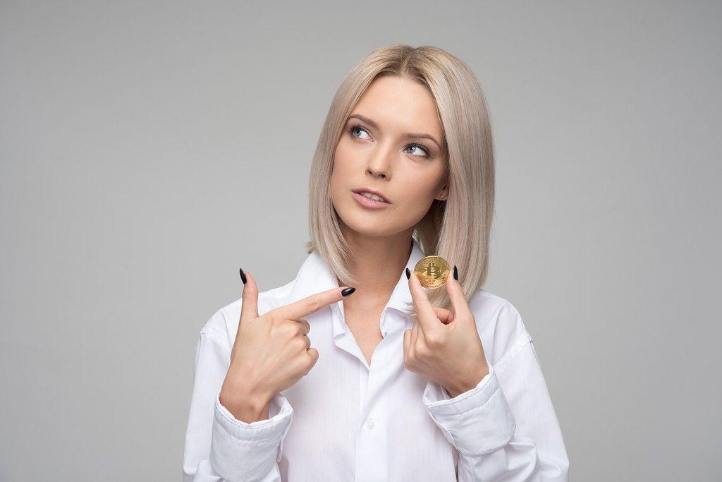 В 2020 году интерес женщин к биткоину вырос на 43%