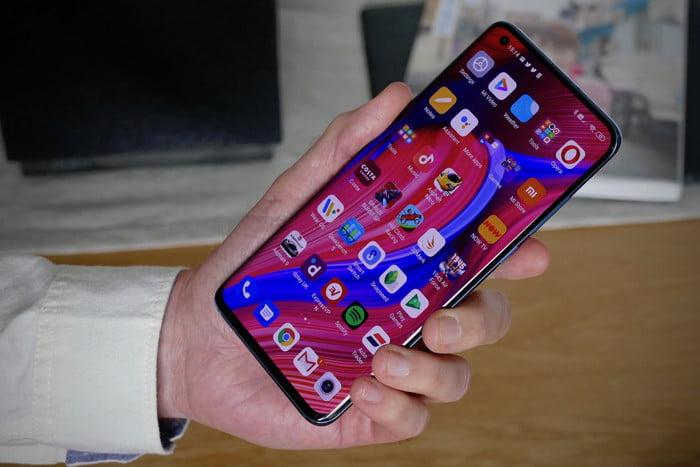 Обзор Xiaomi Mi 10 Pro: трендовый, но не самый надежный смартфон